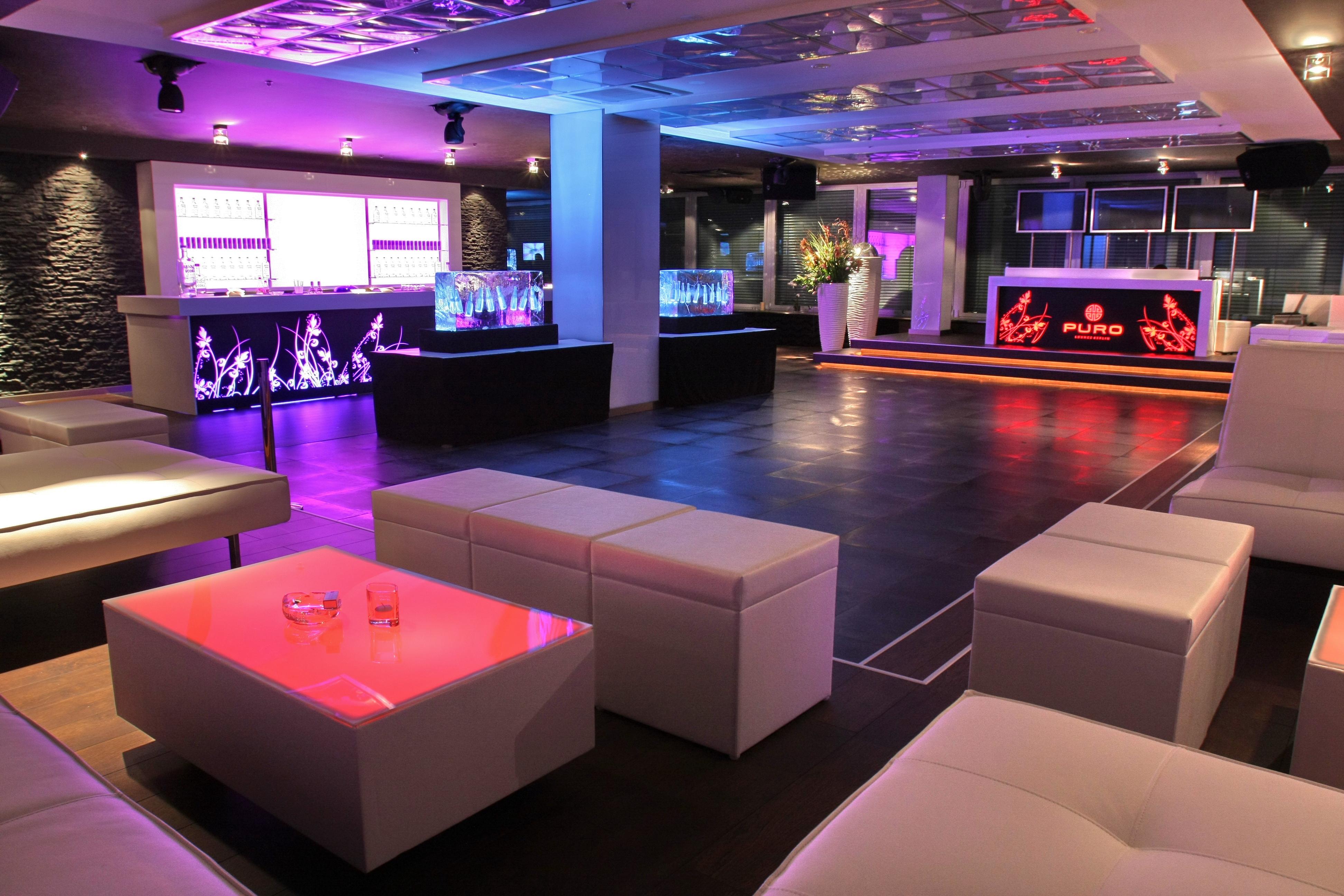 Puro Sky Lounge2